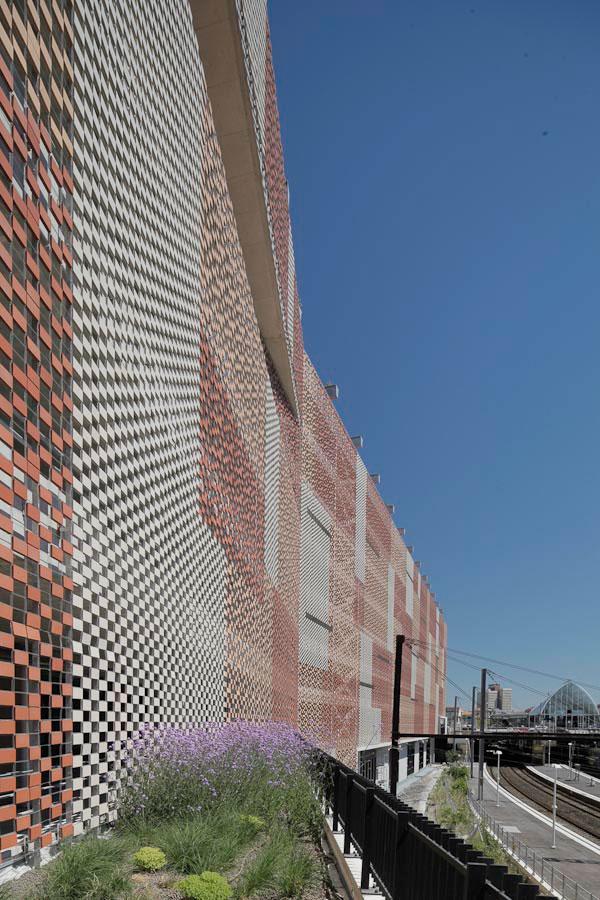 premios-ascer-arquitectura-2015-mencion-ceramica-a-mano-alzada-03
