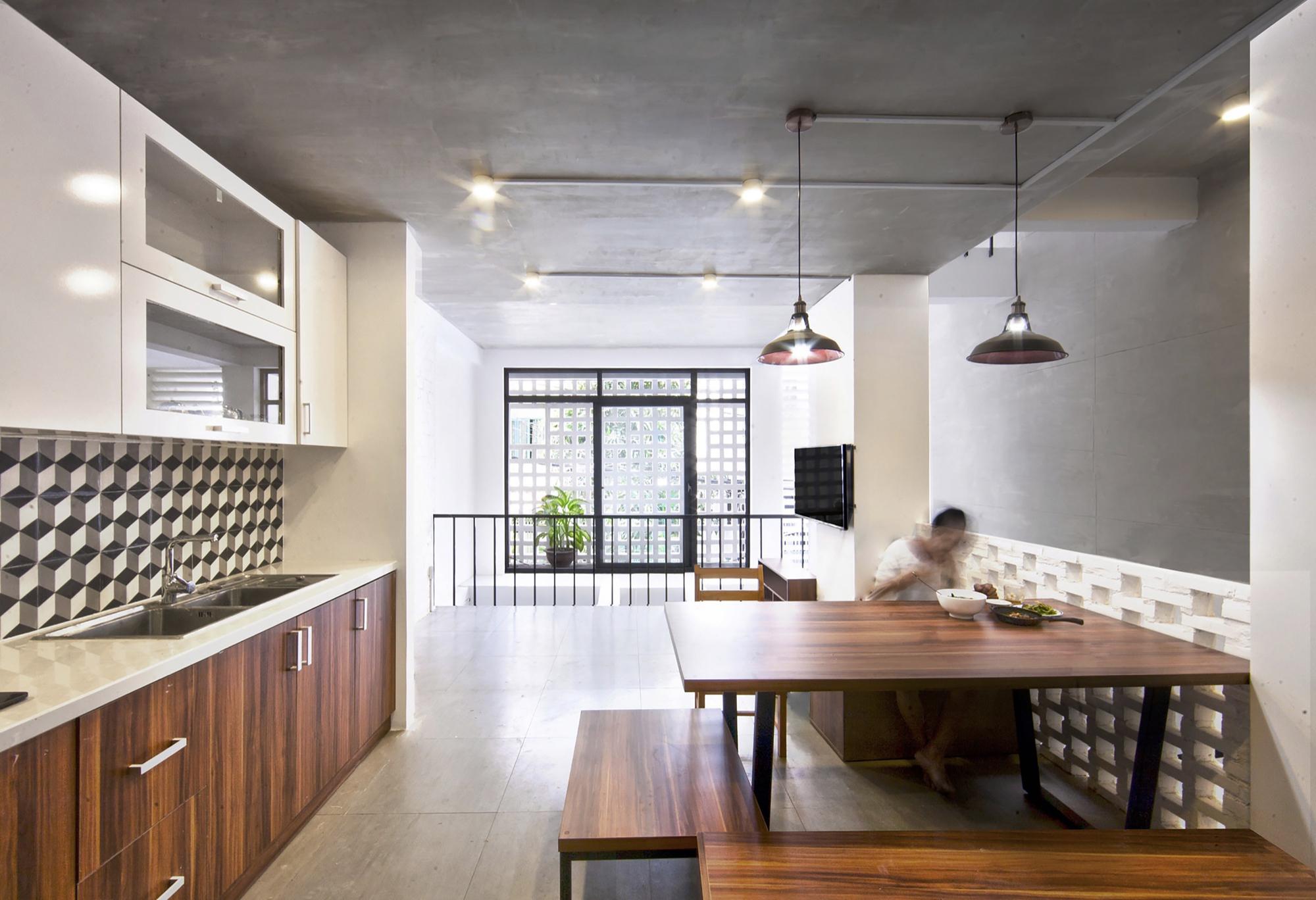 03-Q10_house_celosia_ceramica_studio8_vietnam_lumka_ceramica_a_mano_alzada