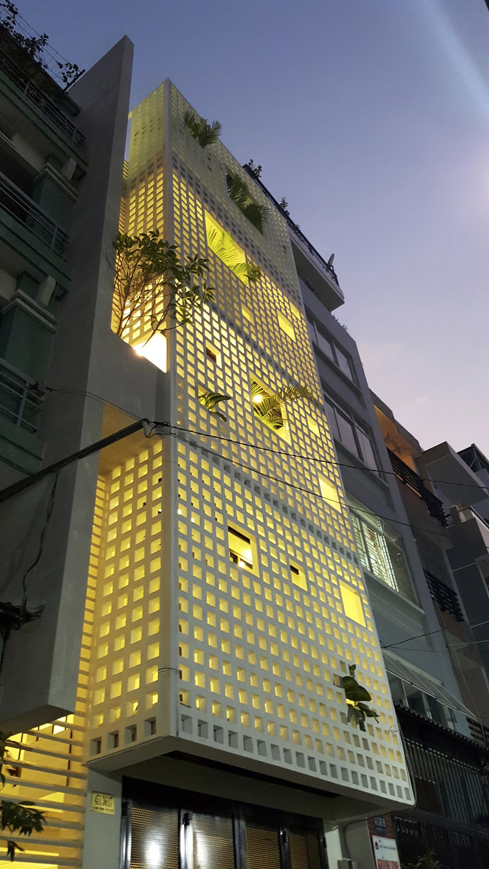 05-Q10_house_celosia_ceramica_studio8_vietnam_lumka_ceramica_a_mano_alzada