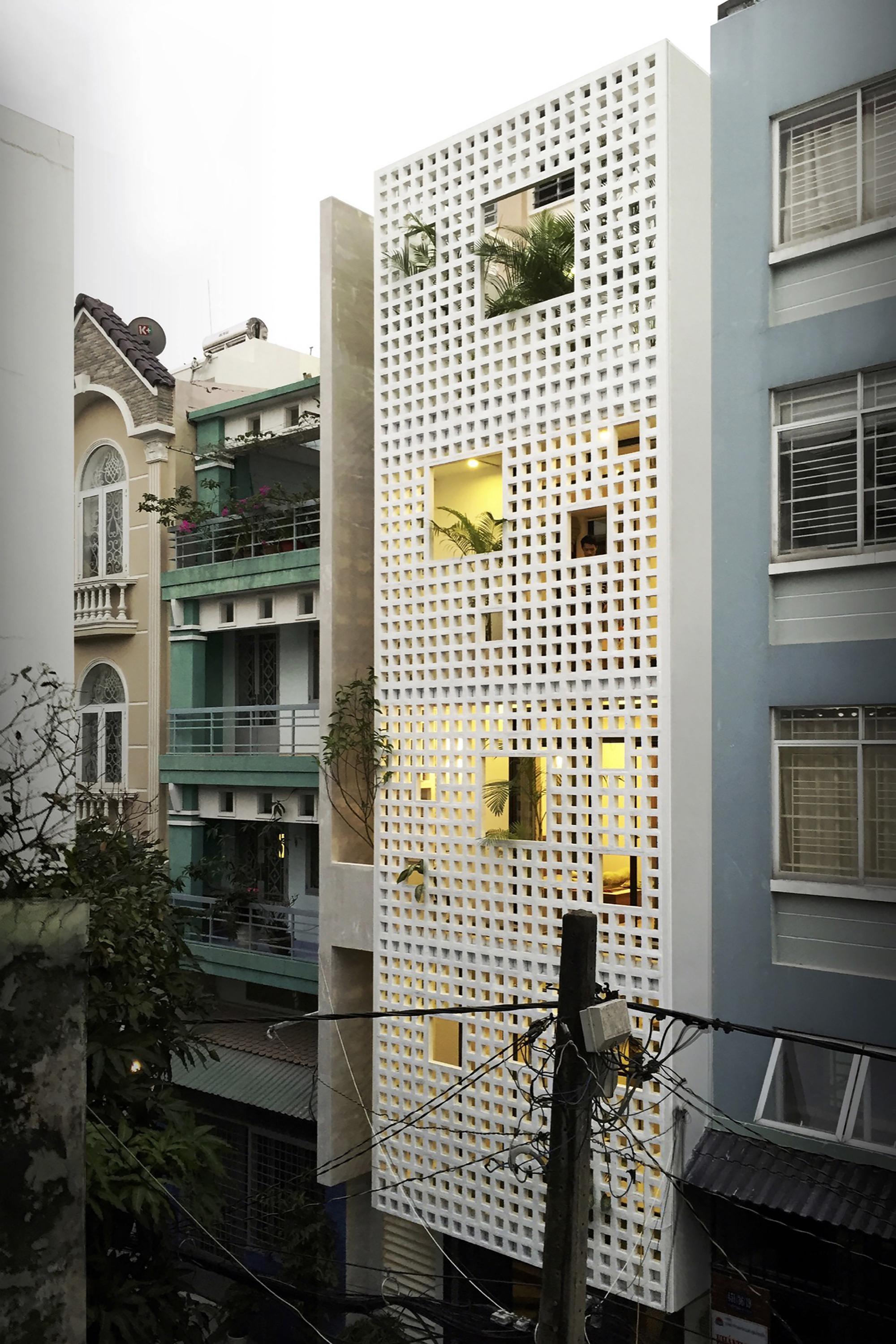 06-Q10_house_celosia_ceramica_studio8_vietnam_lumka_ceramica_a_mano_alzada