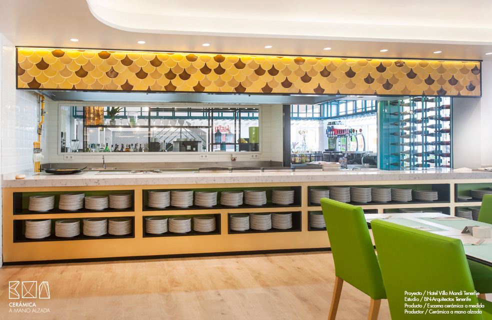 Escamas-ceramicas-villa-mandi-tenerife-bn-arquitectos-amarillos-ceramica-a-mano-alzada