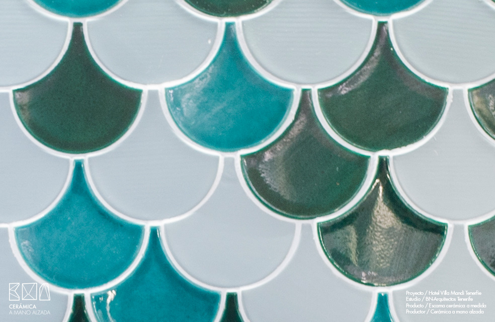 Escamas-ceramicas-villa-mandi-tenerife-bn-arquitectos-detalle-colores-azules-ceramica-a-mano-alzada