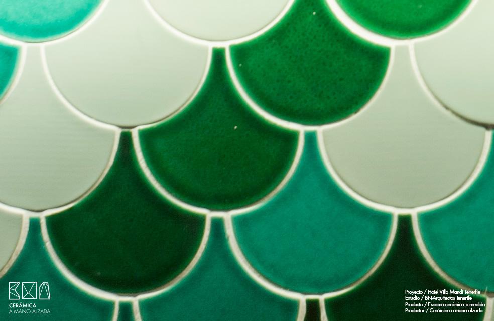 Escamas-ceramicas-villa-mandi-tenerife-bn-arquitectos-detalle-colores-verdes-ceramica-a-mano-alzada