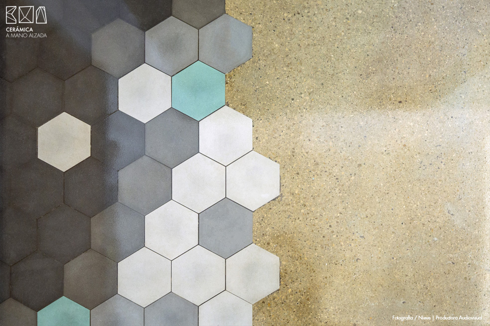 09-hexagonos-ceramicos-G-rock-Nook-Architects-ceramica-a-mano-alzada