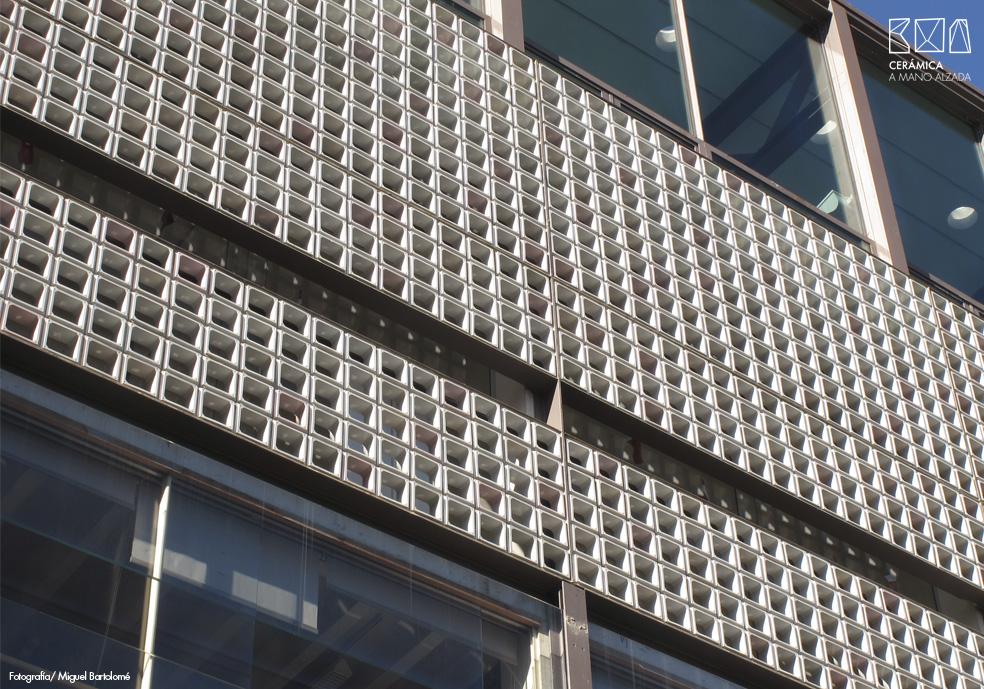 06_Celosia ceramica-Colegio-de-arquitectos-Madrid-ceramica a mano alzada
