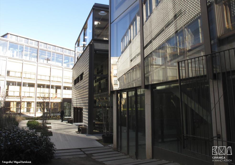 07_Celosia ceramica-Colegio-de-arquitectos-Madrid-ceramica a mano alzada