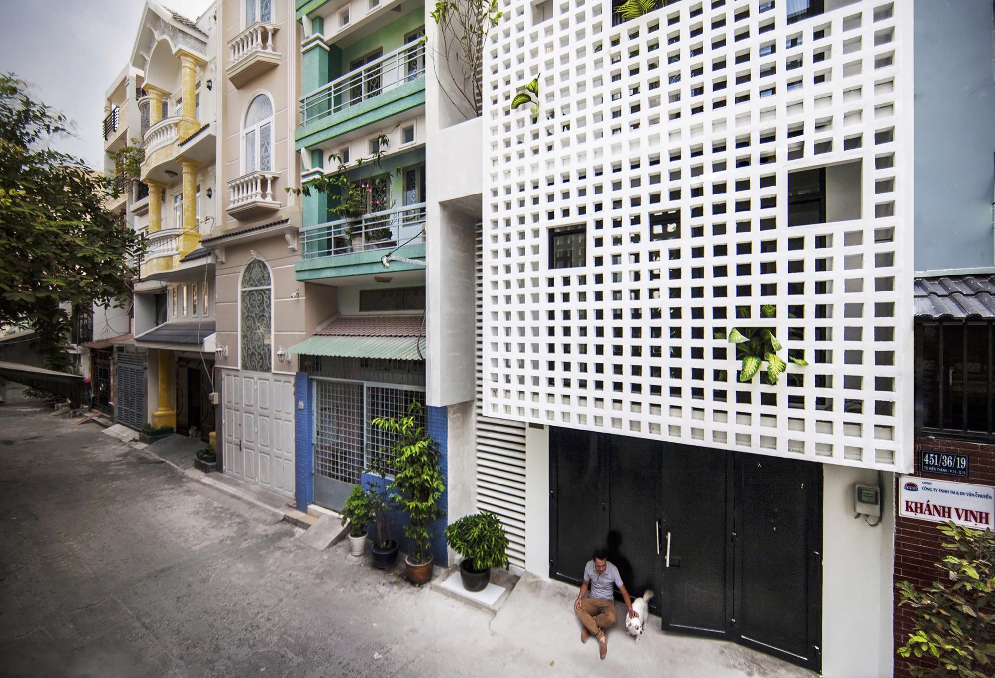 07-Q10_house_celosia_ceramica_studio8_vietnam_lumka_ceramica_a_mano_alzada