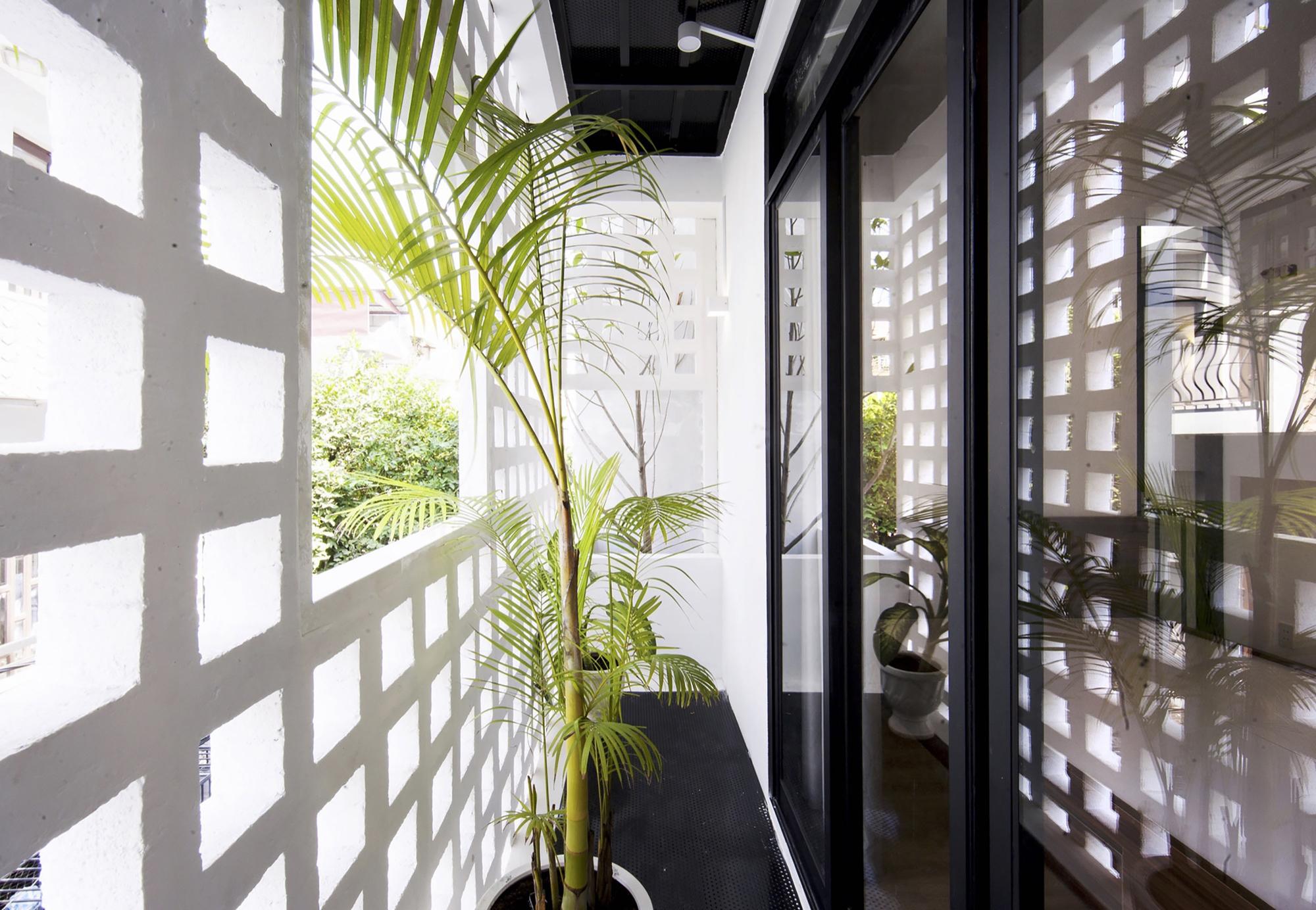 08-Q10_house_celosia_ceramica_studio8_vietnam_lumka_ceramica_a_mano_alzada