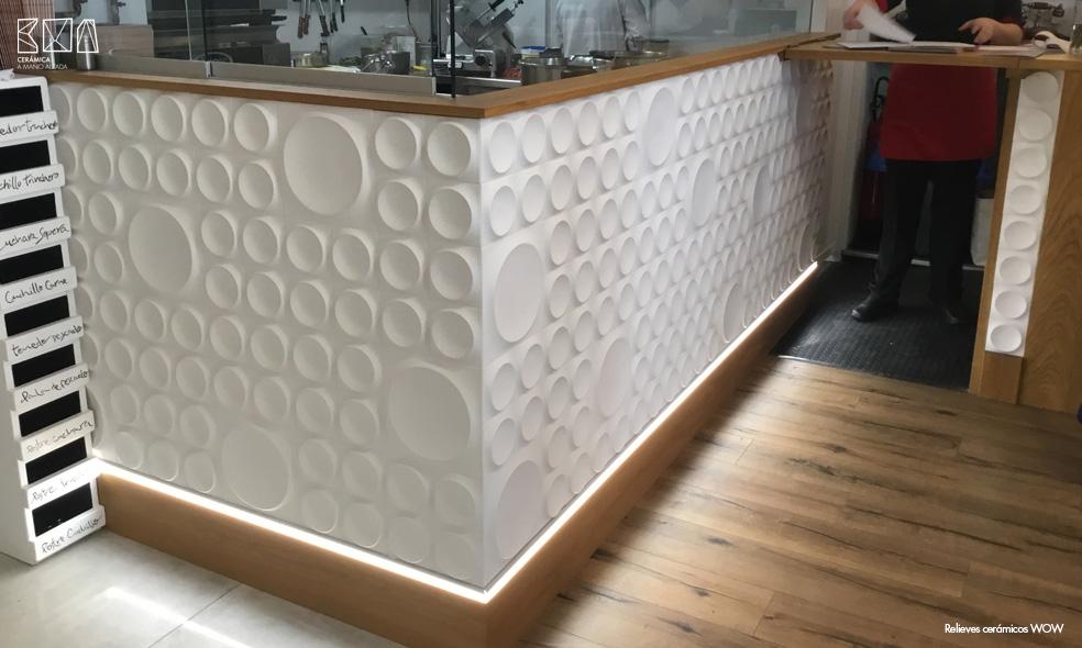 Relieves-ceramicos-WOW-ambiente-010-relieve-RCW008-ceramica-a-mano-alzada