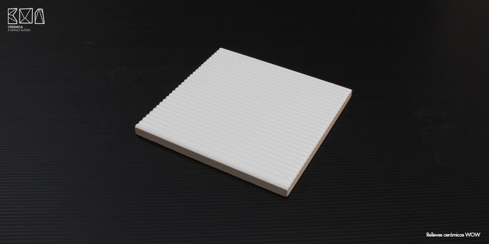 Relieves-ceramicos-WOW-bajo-relieve-RCW007-pieza-ceramica-a-mano-alzada