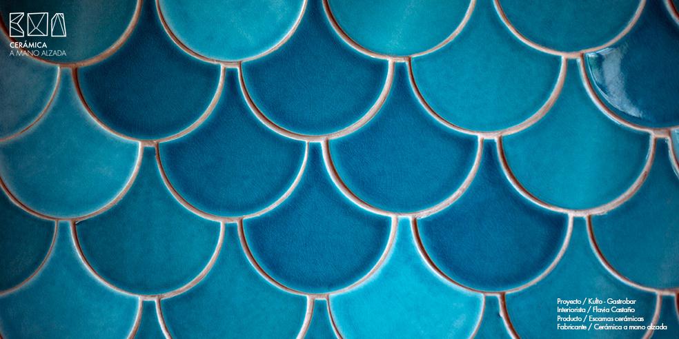 Escamas-ceramicas-tonos-turquesas-Kulto-Madrid-ceramica-a-mano-alzada-01_