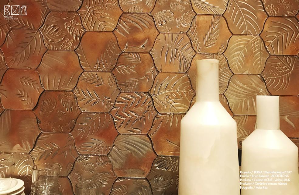 detalle vidrio decorativo artesanal marron UBUD Marbella Design wek Erico Navazo ceramica a Mano Alzada