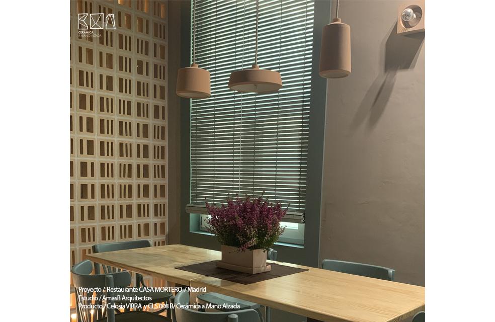 celosia ceramica vibra restaurante casa mortero madrid detalle ceramica a Mano Alzada
